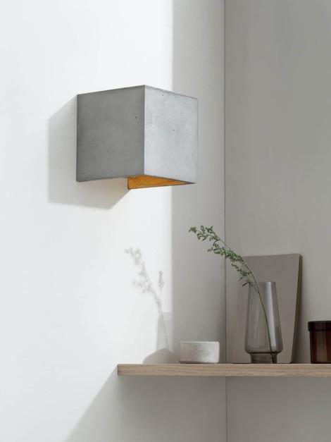 B3 Wandlampe Gold Beton kontext ausgeschaltet